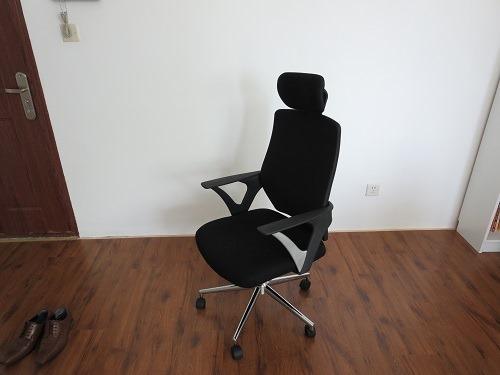 (写真3)379元(約6,200円)の事務イス、座り心地がいい