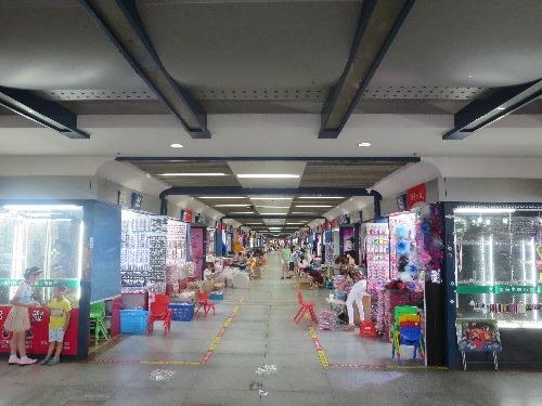 (写真5)店舗は基本的にカメラで商品を撮影されるのを嫌がる