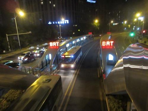 (写真5)常州市では地下鉄建設中、BRTだけでは不十分?