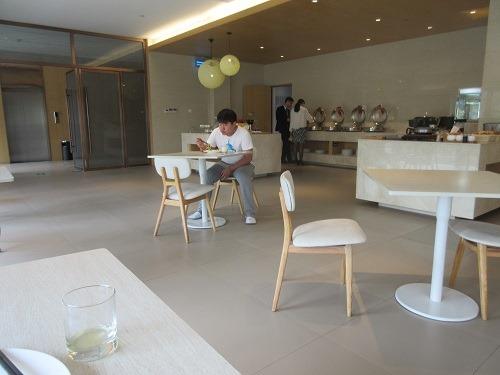 (写真6)全季酒店(常州通江南路店)の食堂の様子(江蘇省・常州市)