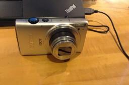 (写真1)レンズカバーが開かなくなったCanonのIXY620F