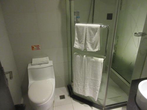 (写真5)莫泰酒店(MOTEL168)の洗面所のようす