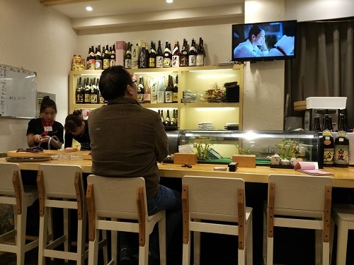 (写真3)高級割烹料理店のような菜菜子の店内(江蘇省・南通市)