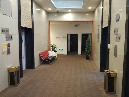 (写真4)莫泰酒店の入居しているフロア、オフィスビルを改装して利用