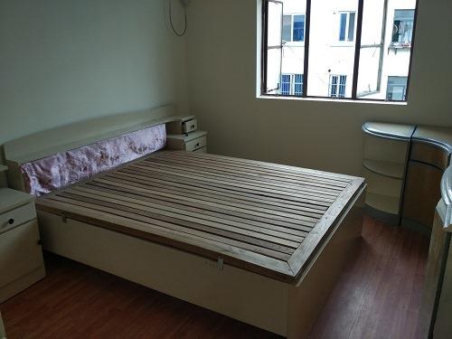 (写真2)中国の賃貸物件では家具付きが一般的(蘇州市)