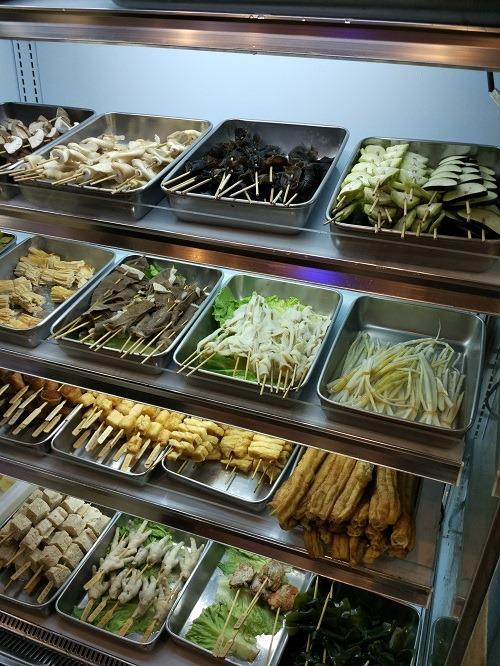 (写真3)清潔さが維持されている食材トレー(蘇州市)