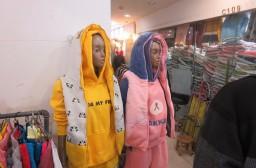 (写真1)日本と中国のファッションセンスの違いを感じる(卸売市場のなか)